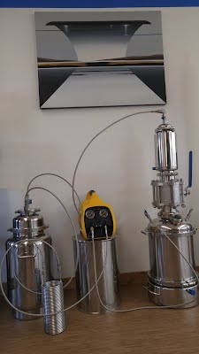 Mini-12-1-lb-closed-loop-extractor-bho-extraction-processing-equipment-supplier